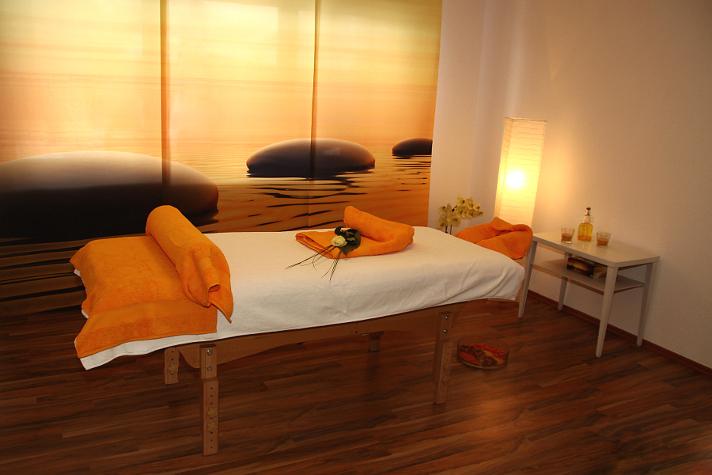 Massageraum ausstattung  Studio Auszeit: Ihr Wellness- & Massagestudio in Meßstetten | Räume
